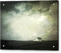 Lancaster Ohio Barn 3 Acrylic Print by Cynthia Lassiter