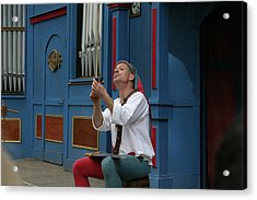Maryland Renaissance Festival - A Fool Named O - 121252 Acrylic Print by DC Photographer