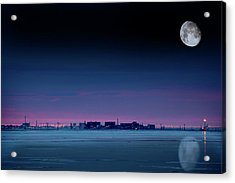 Moon Over Prudhoe Bay Acrylic Print by Chris Madeley