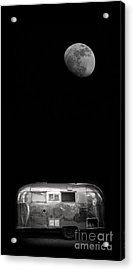 Acrylic Print featuring the photograph Moonrise Over Airstream by Edward Fielding