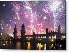 New Years Eve At Oberbaum Bridge Acrylic Print by Spreephoto.de