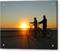 Newlyweds Pause To Embrace The Sunrise Acrylic Print