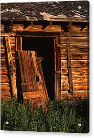 Old Barn Door Acrylic Print by Mike Norton