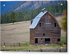 Old Barn In Washington Acrylic Print