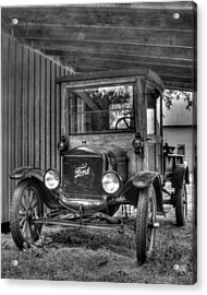 Acrylic Print featuring the photograph Old Ford by Dawn Currie