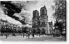 Acrylic Print featuring the photograph Parvis Notre Dame / Paris by Barry O Carroll