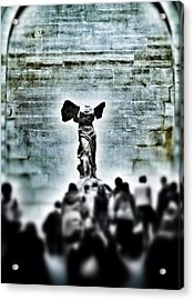 Pause - The Winged Victory In Louvre Paris Acrylic Print