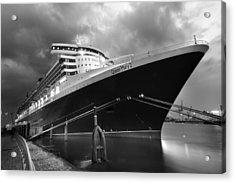 Queen Mary 2 In Hamburg Acrylic Print by Marc Huebner