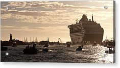 Queen Mary 2 Leaving Port 01 Acrylic Print by Rick Piper Photography