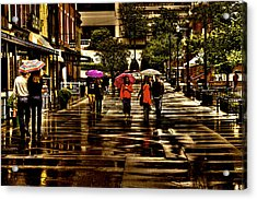 Rain In Market Square - Knoxville Tennessee Acrylic Print by David Patterson