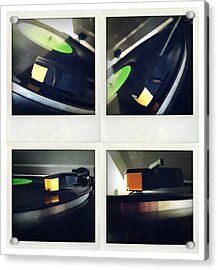Record Player Acrylic Print by Les Cunliffe