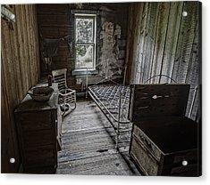 Room At The Wells Hotel - Montana Acrylic Print by Daniel Hagerman