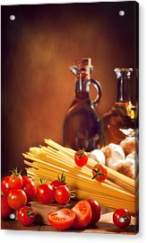 Spaghetti Pasta With Tomatoes And Garlic Acrylic Print by Amanda Elwell