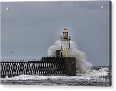 Acrylic Print featuring the photograph Stormy Sea At Blyth by Les Bell