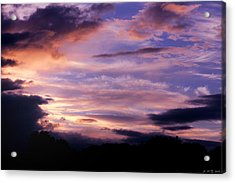Acrylic Print featuring the photograph Sun's Reluctant Parting by Amanda Holmes Tzafrir