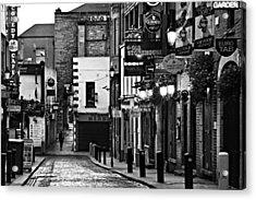 Acrylic Print featuring the photograph Temple Bar / Dublin by Barry O Carroll