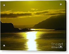 The Columbia River In The Morn   Acrylic Print by Jeff Swan
