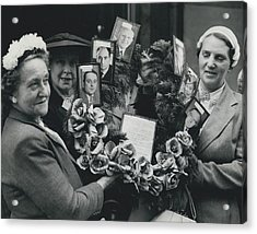 The End Of Rationing In Britain. Housewives Present The Acrylic Print by Retro Images Archive