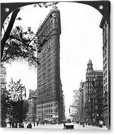 The Flatiron Building In Nyc Acrylic Print by Underwood Archives