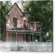 The Pink Victorian House Acrylic Print by Linda Phelps