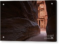 The Siq And Treasury At Petra Acrylic Print by Robert Preston
