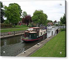 Acrylic Print featuring the photograph The Thames At Penton Hook Lock by Jayne Wilson