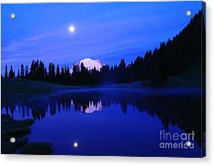 Tipsoe Lake In The Morn  Acrylic Print by Jeff Swan