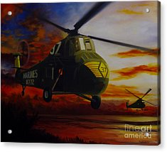 Acrylic Print featuring the painting Uh-34d Over The Beach by Stephen Roberson