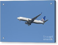 United Airlines Jet 7d21942 Acrylic Print by Wingsdomain Art and Photography