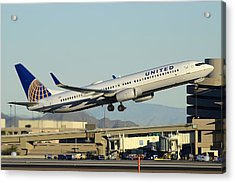 United Boeing 737-924 N69810 Phoenix Sky Harbor December 24 2014 Acrylic Print by Brian Lockett