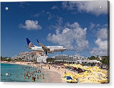 United Low Approach St Maarten Acrylic Print by David Gleeson