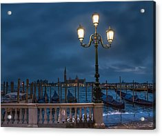 Acrylic Print featuring the photograph Venice Streetlight by Phyllis Peterson