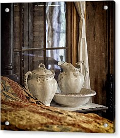 Vintage Wash Bowl And Pitcher Acrylic Print by Lynn Palmer