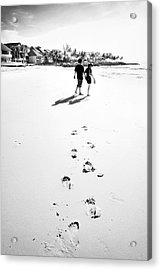 Walking In The Beach Acrylic Print by William Voon
