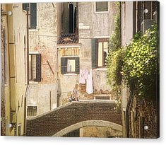 Acrylic Print featuring the photograph Walking In Venice by Nicola Nobile