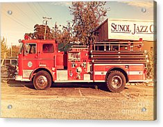 Old Whitney Seagrave Fire Engine At The Sunol Jazz Cafe In Sunol California . 7d10785 Acrylic Print by Wingsdomain Art and Photography