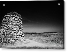 the memorial cairn on Culloden moor battlefield site highlands scotland Acrylic Print by Joe Fox