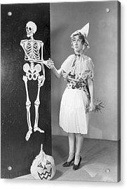 A Bone To Pick Acrylic Print by Hulton Archive