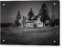 Acrylic Print featuring the photograph Abandoned Farm by Chuck De La Rosa