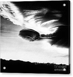 Altocumulus Lenticularis Cloud Acrylic Print by Science Source