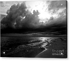Beach In Black And White Acrylic Print by Jeff Breiman