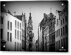 Brussels In Black And White Acrylic Print by Lee Versluis