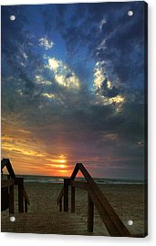 Acrylic Print featuring the photograph Daybreak At The Beach by Rod Seel