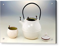 Diving On Tea Pot And Cup Acrylic Print by Paul Ge