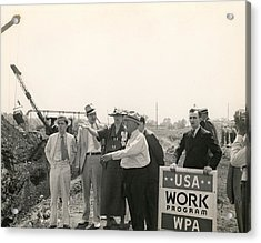 Eleanor Roosevelt At A Wpa Site In Des Acrylic Print by Everett