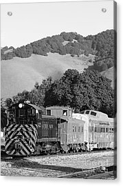 Historic Niles Trains In California . Southern Pacific Locomotive And Sante Fe Caboose.7d10819.bw Acrylic Print by Wingsdomain Art and Photography