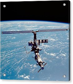International Space Station In 2002 Acrylic Print by Everett