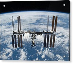 International Space Station In 2009 Acrylic Print by Everett