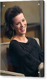 Kate Beckinsale At Talk Show Appearance Acrylic Print by Everett