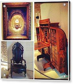 Mi Visita Al Museo Del Bicentenario!! Acrylic Print by Pablo Grippo